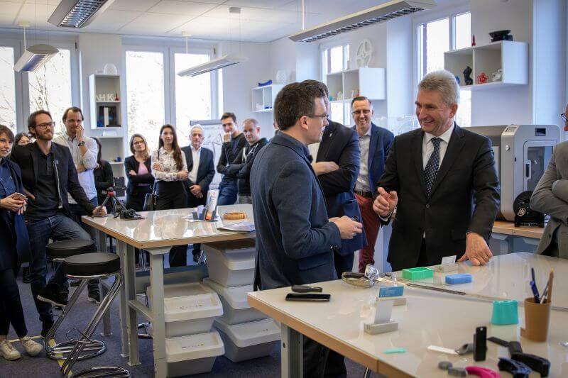 """Minister Pinkwart in Solingen beim """"3D Startup Campus NRW"""""""