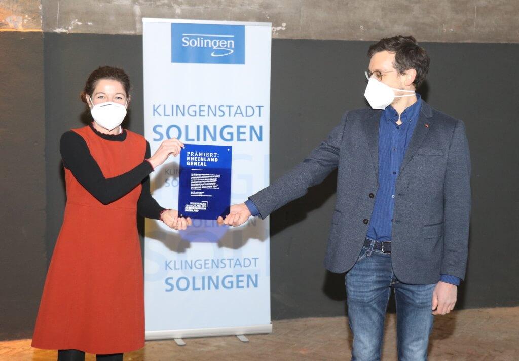 Links: Frau Kirsten Jahn, Sprecherin der Geschäftsführung/Metropolregion Rheinland e.V. Rechts: Evgeniy Khavkin, 3D Startup Campus NRW